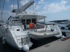 catamaran para navegar por el delta del ebro